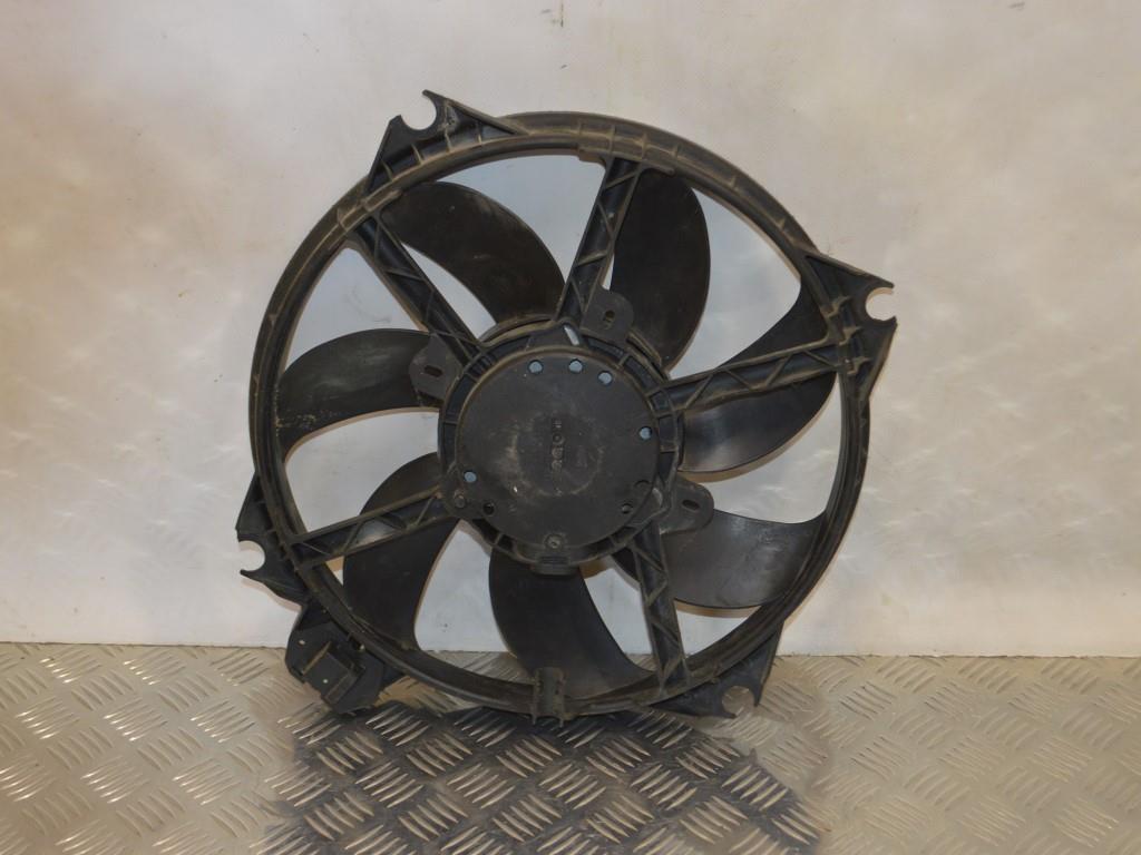 Вентилятор радиатора Renault Megane 3 (2008-2019) 214810898R